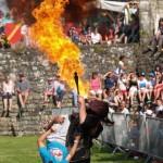 Cracheur de feu aux Médiévales de Domfront 2015