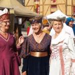 De gentes dames lors des médiévales de Domfront 2015