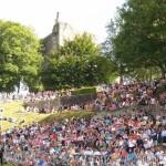 Le public lors des joutes aux Médiévales de Domfront en 2015