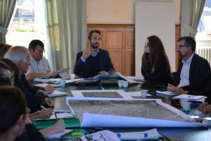 Durant les ateliers thématiques sur la revitalisation du centre-bourg de Domfront