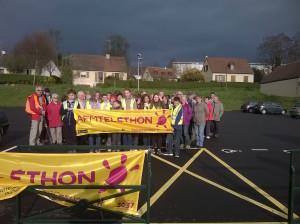 Les membres du conseil municipal des enfants ont organisé avec les Randonneurs Domfrontais une randonnée de 8 kilomètres pour le Téléthon