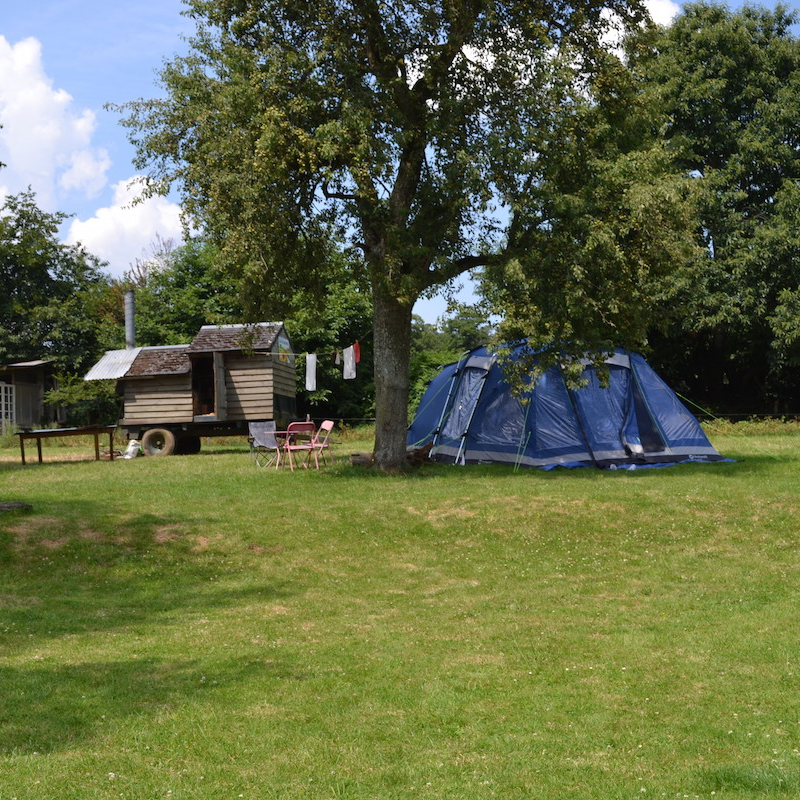 camping ferme adèle laurent carré