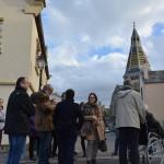 Les membres du conseil municipal et de l'office de tourisme avec la commission des Petites cités de caractère place du Panorama un point est fait sur le paysage et le patrimoine de la reconstruction