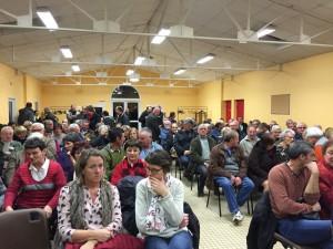 La salle communale de La Haute-Chapelle était pleine pour cette réunion d'information sur la commune nouvelle de Domfront-en-Poiraie