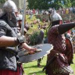 Les Hastingales (août 2016) dans la Cité médiévales de Domfront en Poiraie (Orne, Normandie) une manifestation festive pour célébrer les 950 ans de la bataille d'Hastings et rendre hommage à Guillaume le Conquérant.