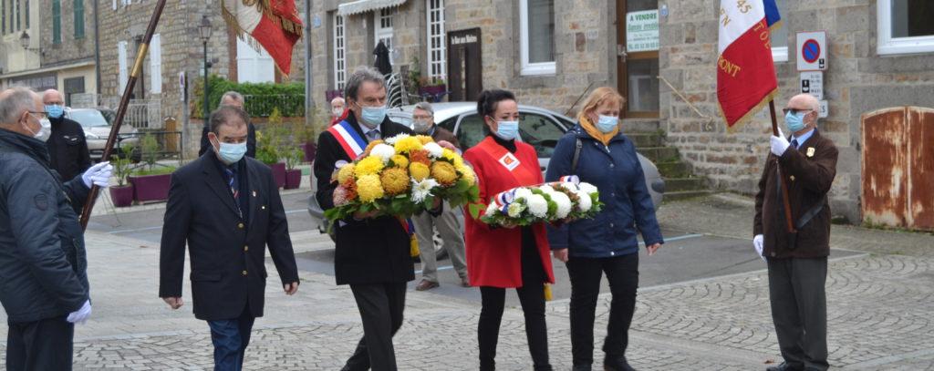 Rémi Henri, président des anciens combattants, Bernard Soul, maire, Catherine Meunier, conseillère régionale et Michelle Pothé, maire déléguée de la Haute-Chapelle.