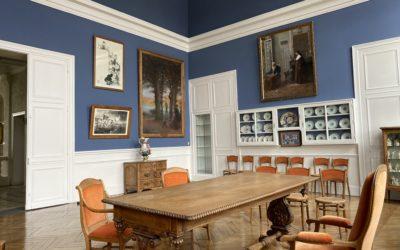 Visitez la salle des mariages rénovée et ses objets artistiques